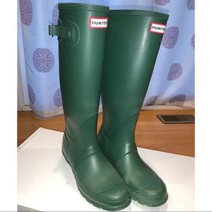 Dark Green Hunter Rainboots